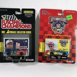 2 NASCAR Ted Musgrave #16 Diecast car Racing 1:64